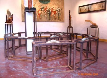 Esculturas / maletas realizadas por F. Burkha